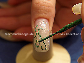 Nail art liner in the colour green-Glitter