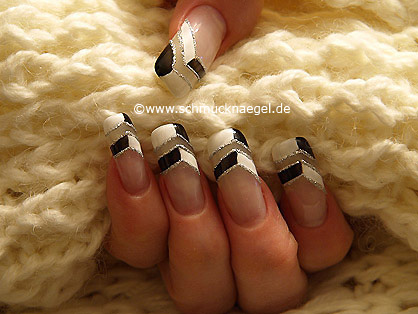 Fingernail motif with nail lacquer and nail art liner
