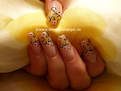 Nail art motif with nail lacquer in copper-glitter