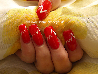Nail Art Motif In Red With Colour Gel Nail Art Designs