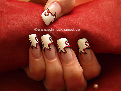 French motif with nail art liner and nail lacquer