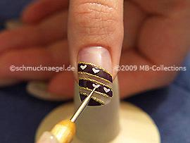 Nail art heart shape