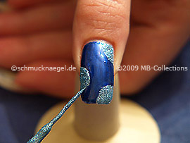 Nail art liner in the colour turquoise