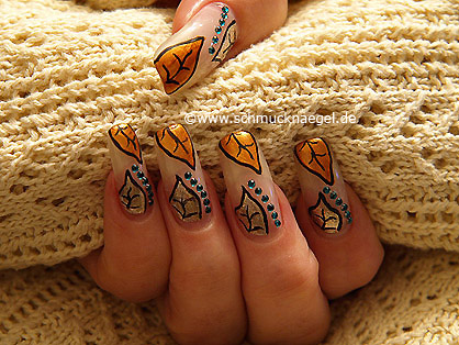 Autumn motif with strass stones