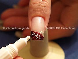 Nail art pen in white