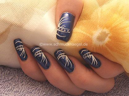 Nail design in dark-blue