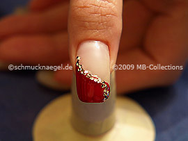 Glitter nail lacquer in silver