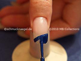 Nail lacquer in the colour blue