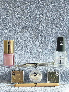 Products for full cover in pink with beaten gold - Nail polish, Beaten gold, Nail art bouillons, Strass stones, Spot-Swirl, Clear nail polish