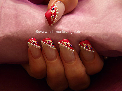 Half pearls and nail art bouillons