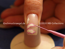 Nail art liner in the colour rose