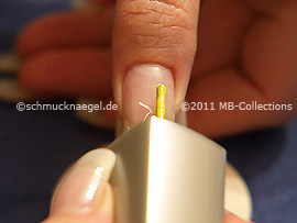 Nnail lacquer in the colour yellow