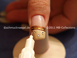 Nail art pen in the colour brown
