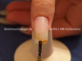 Nail lacquer in the colour copper-Glitter