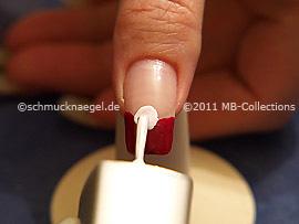 Nail lacquer in the colour dark white