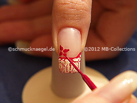 Nail art liner in the colour fuchsia