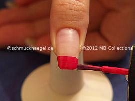 Nail lacquer in the colour fuchsia