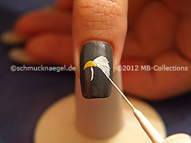 Nail art liner in the colour white