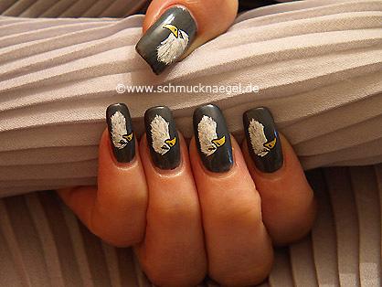 Eagle motif with nail lacquer and nail art liner