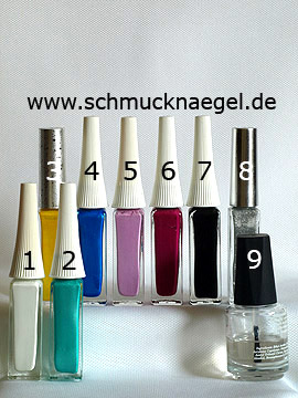 Products for the retro motif with nail lacquers in different colours - Nail art liner