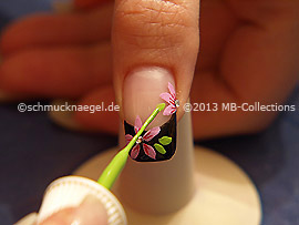 Nail art liner in the colour bright green