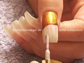 nail polish in the colour pearl