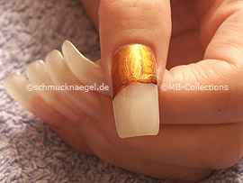 nail polish in the colour bronze