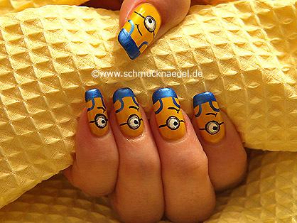Minions as motif for the fingernails