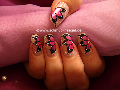 Flowers with glitter-powder and nail lacquer