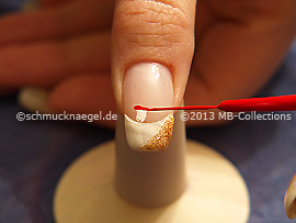 Nail art liner in the colour white and red