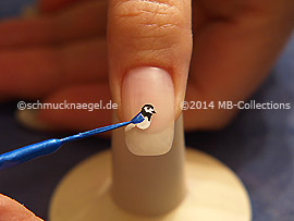 Nail art liner in the color blue