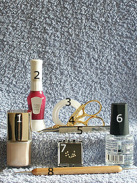 Products for summer motif in bright beige - Nail polish, Strass stones, Nail art pen, Spot-Swirl, Clear nail polish