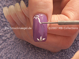 Nail art liner in the colour silver
