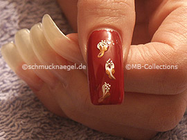 nail art bouillons in silver and the spot-swirl or a toothpick