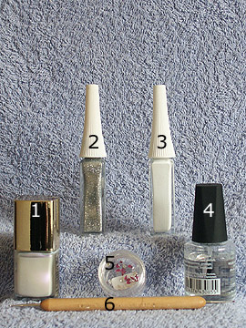 Products for Valentine´s Day french motif - Nail polish, Strass stones, Nail art liner, Spot-Swirl, Clear nail polish