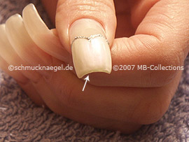 nail lacquer in the colour pearl