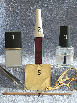 Products for the pearl gold design - Nail polish, Beaten gold, Nail art liner, Clear nail polish