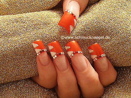 French motif with nail lacquer