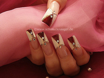 French motif for the fingernails