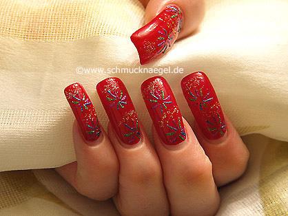 Fireworks as nail art motif